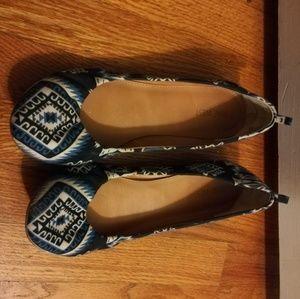 Nine West Shoes - Nine West blue pattern flats 9.5